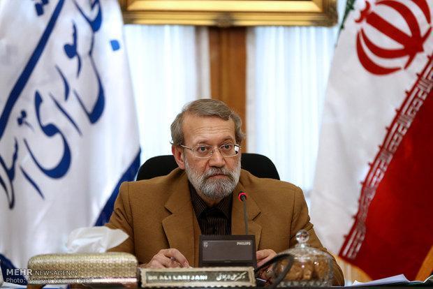 تاکید لاریجانی بر گسترش روابط تجاری و گردشگری میان ایران و تایلند