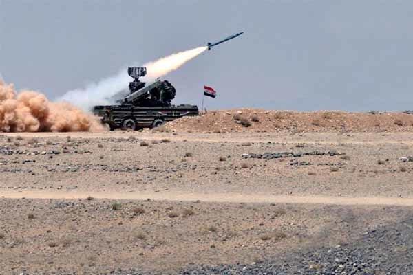 نبرد سنگین ارتش سوریه با تروریستها در جنوب شهر معره النعمان