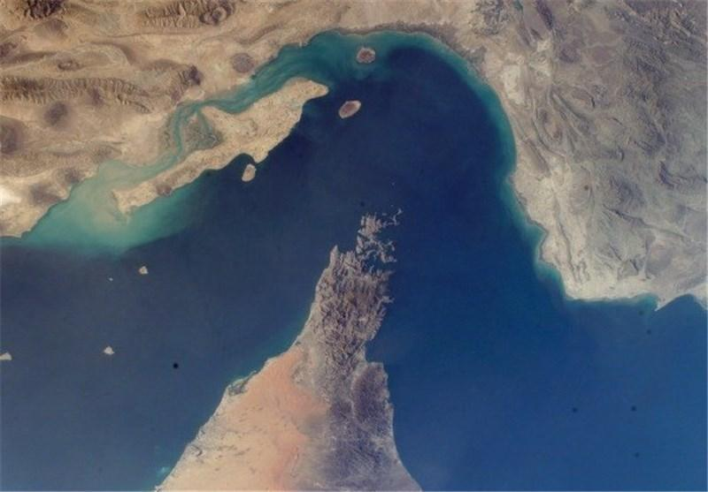 ساخت پل بین دو طرف تنگه هرمز در دستور کار ایران و عمان نیست