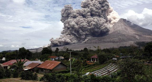 تخلیه تعداد زیادی از ساکنان جزیره بالی اندونزی