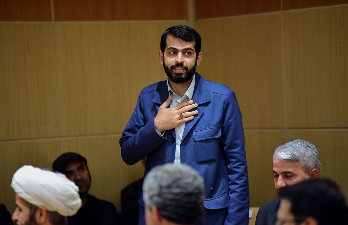 خبرنگاران نماینده مجلس: در شرایط کنونی کشور، دولت نیازمند حمایت است