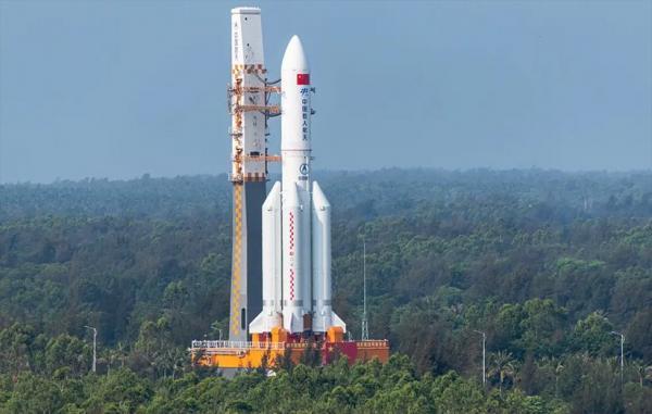 موشک بزرگ چین تا چند ساعت آینده به زمین سقوط می نماید