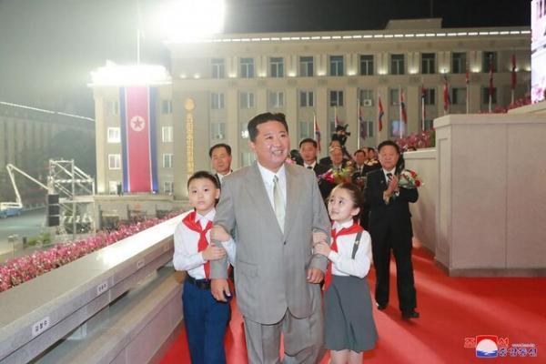 کیم جونگ اون با 20 کیلو کاهش وزن در انظار عمومی ظاهر شد