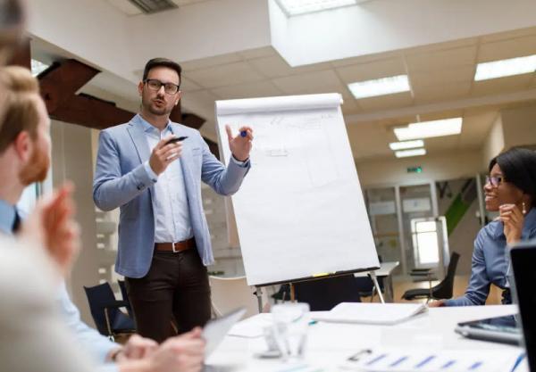 چرا پیروز ترین مدیران و رهبران روی به دست آوردن احترام، بیشتر از کسب علاقه، تمرکز می نمایند؟